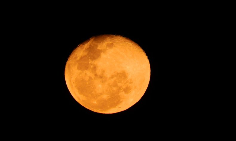 Get ready to watch lunar eclipse tonight